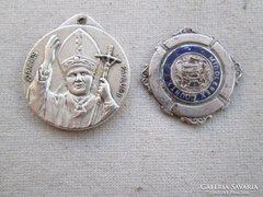 Az utazók védőszentje és egy ezüst érme 26 g