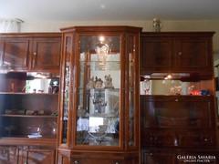 Magasfényű olasz nappali vitrines szekrény