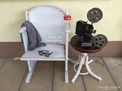 Provence bútor, fehér antikolt 1személyes mozi szék.