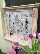 Provence bútor, antikolt fehér ékszertartó, kulcstartó.