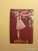 Nestlé csokoládé reklámtábla