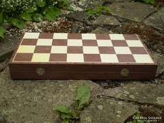 Retró műanyag sakktábla, doboz
