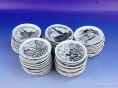 0F803 Városképes porcelán dísztányér 47 darab
