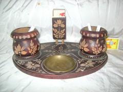 Cigaretta kínáló asztali készlet -  faragott fa, réz