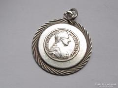 Mária Terézia ezüst medál.