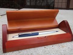 Új Ajándéknak való szép toll különleges formájú fadobozban