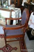 Nagyméretű tölgy karfás szék, teljesen felújítva eladó