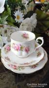 Royal Albert Chatsworth márkanevű sorozat kávés/teás triój