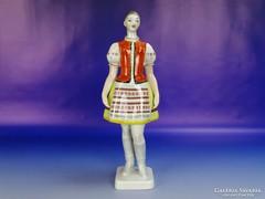 0H180 Régi hollóházi porcelán menyecske 29.5 cm