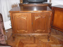 Warrings T.V komod104x88x55cm