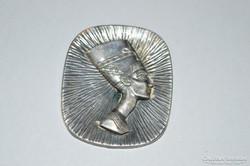 Ezüstözött egyiptomi bross