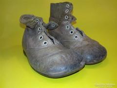 Antik kis cipő 1 pár + fél pár ajándék