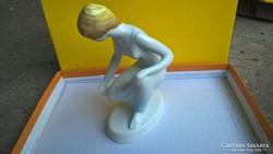 Guggoló nő hollóházi porcelán eladó