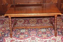 Koloniál kis asztal ajándék üveglappal