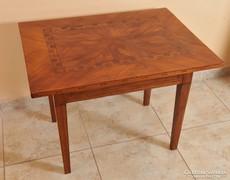 Copf asztal cseresznyeborítással, 1800 k.