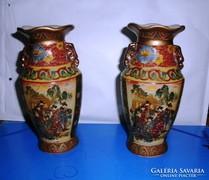 Kínai vázák. Kézzel festett. Jelzett, sorszámozott.