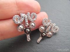 Köves mutatós stekker ezüst fülbevaló