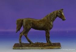 0H998 Régi spiáter ló szobor talapzaton