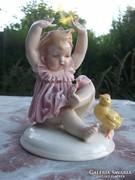 Remek  Ens porcelán kislány figura