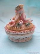 Korai XIX sz bombonier  art deco figurákkal