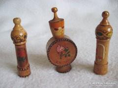 Rózsaolaj fa tartó,retro bolgár szuvenír, 3 db.