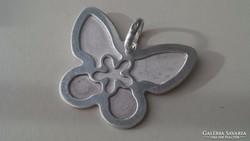 Gyönyörűszép ezüst pillangó medál
