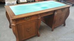 Antik,nagyméretű,térbe állítható íróasztal!