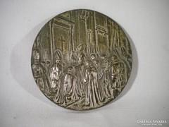 P192 Egy oldalas fém plakett a Pápával