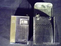 Q035 Régi kis Sharp zsebrádió