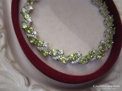 Csodálatos, természetes peridot ezüst karkötő 10,8 gramm !