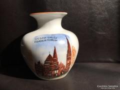 KIÉRUSÍRÁS! Zsolnay: Szegedi emlék - Fogadalmi templom váza, 11 cm.