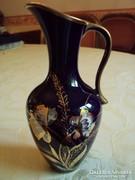 Kékesfekete üvegfényű (kobalt-arany) kézzel festett,Bavaria porcelán kancsó