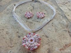 Rózsaszín ezüst színű gyöngyékszer szett:nyaklánc, fülbevaló