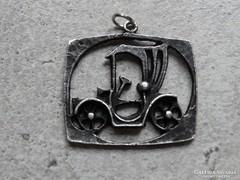 Iparművészeti medál, 3,5 x 2,5 cm, ezüstözött