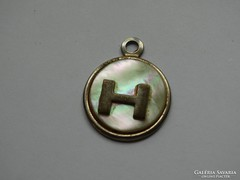 """Aranyozott gyöngyház berakásos medál """"H"""" betűvel"""