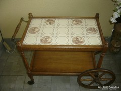 Zsúrkocsi csempelapos  tálaló asztal