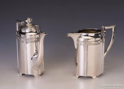 Ezüst historizáló kávés-/teáskanna és kiöntő