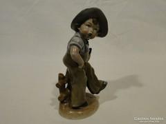 0370 Antik Bertram jellegű kalapos fiú