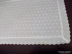 Szép madérás asztali futó 100 x 43 cm