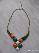 Óarany színű vintage gallér nyakék