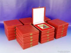 0F460 Szocreál emlékplakett díszdobozban 25 darab