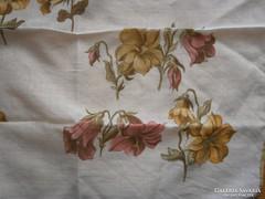1244. Lilomos díszzsebkendő