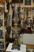 Figurális spiáter petróleum lámpa