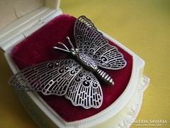 Ezüst pillangó medál