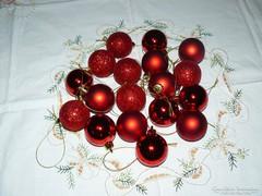 Műanyag 3 árnyalatú karácsonyfadísz lila, arany piros