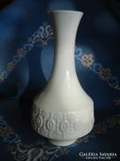 Royal, különleges fehér porcelán váza