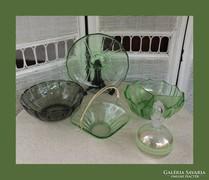 Zöld színű üveg gyűjtemény