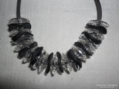 Dekorativ nyaklánc