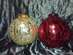 Antik karácsonyfadísz és egy ajándék dísz nagy méretű