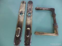Antik rézkilincs és cilinder.